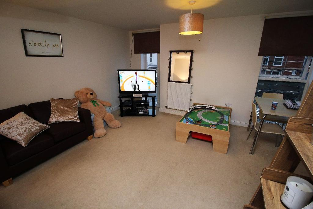 2 Bedrooms Apartment Flat for rent in Gaskells Place, Ipswich, IP2 0EL