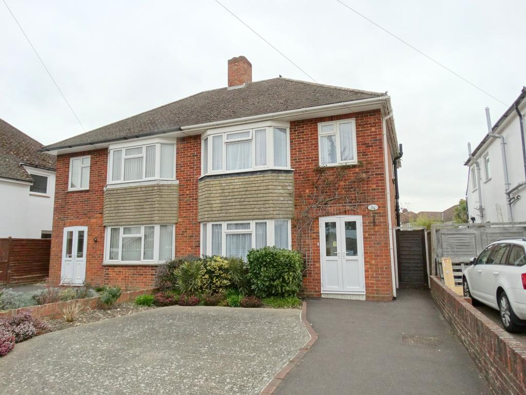 3 Bedrooms Semi Detached House for sale in Oak Avenue, Chichester