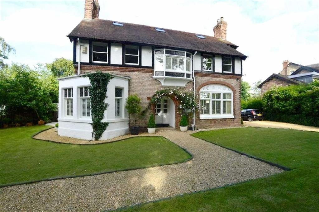 6 Bedrooms Detached House for sale in Chesham Place, Bowdon, Cheshire, WA14