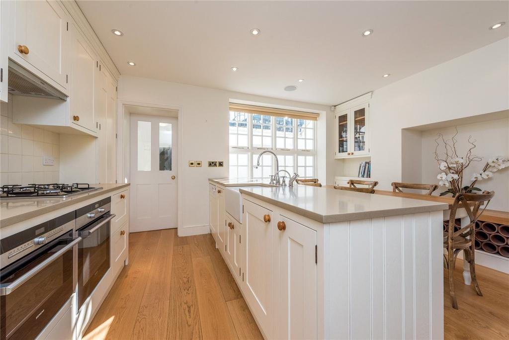 3 Bedrooms House for rent in Gibson Square, Barnsbury, Islington, London, N1