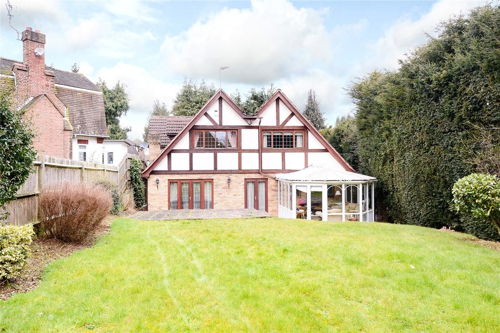 5 Bedrooms Detached House for sale in Wyatts Road, Chorleywood, Rickmansworth, Hertfordshire, WD3