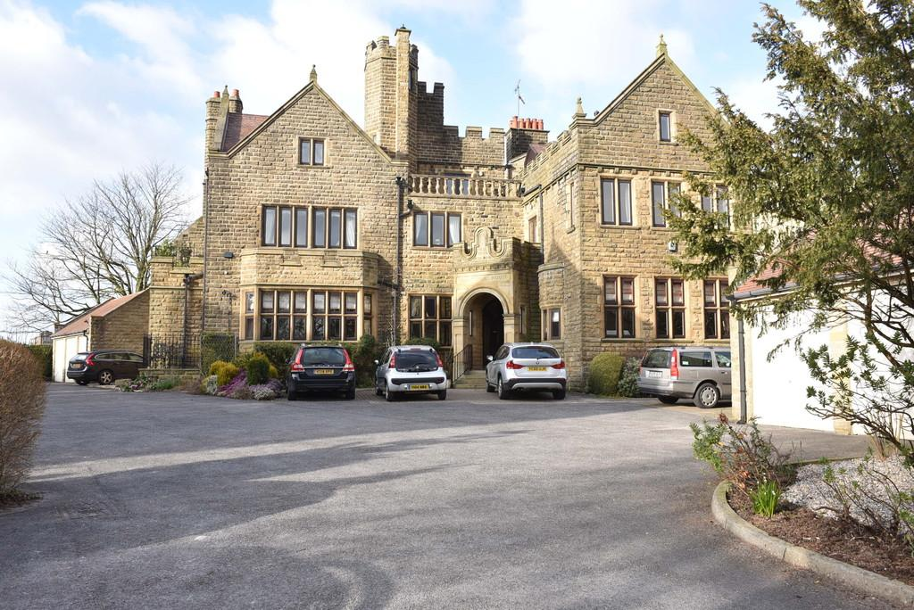 2 Bedrooms Apartment Flat for sale in Strayside House, Cavendish Avenue, Harrogate
