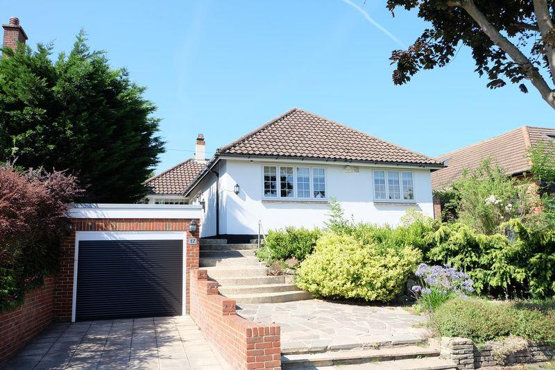 4 Bedrooms Bungalow for sale in Hill Crescent, Bexley