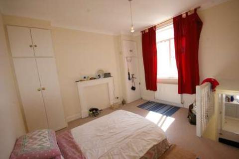 Studio to rent - Compton Avenue, Brighton