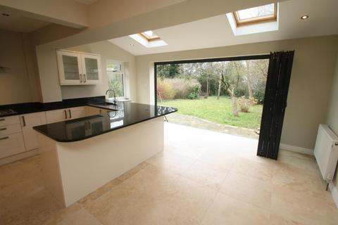 3 bedroom semi-detached house to rent - TALBOT AVENUE, ROUNDHAY, LS8 1AQ