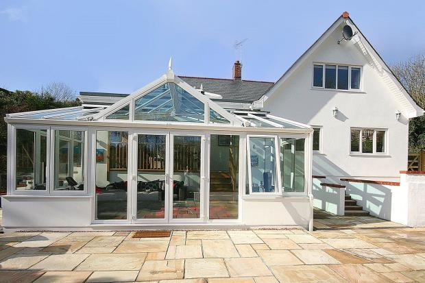 3 Bedrooms Detached House for sale in Saints Bay Road, St Martin's, Guernsey