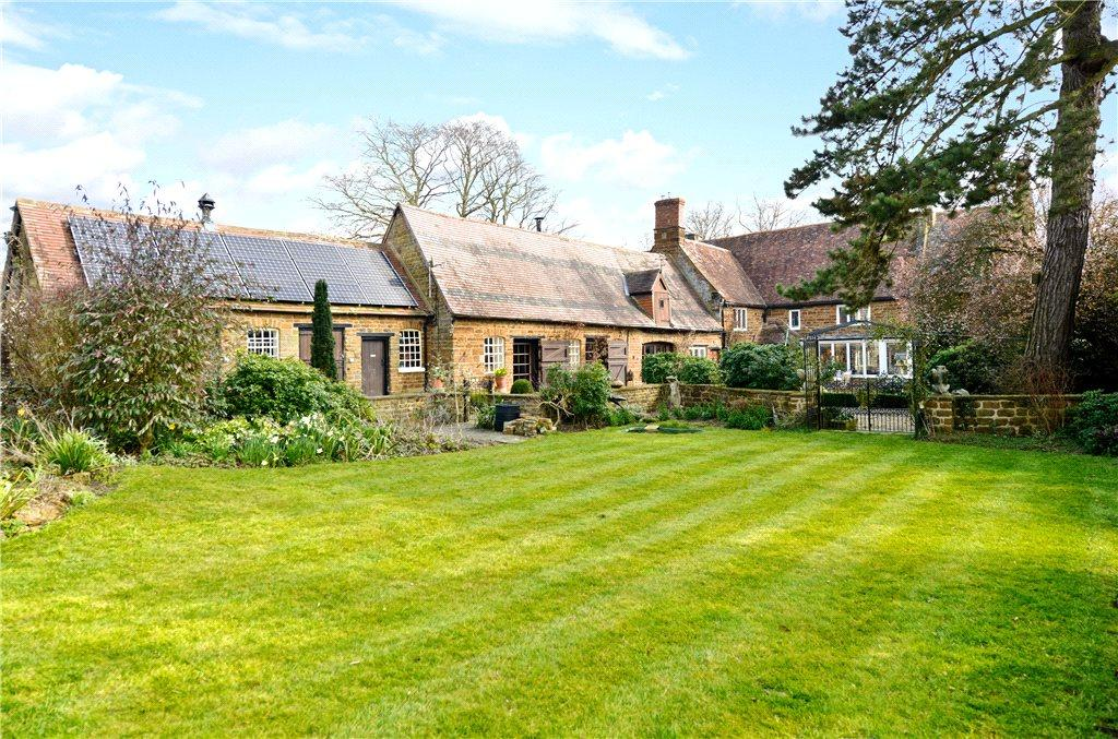 7 Bedrooms Unique Property for sale in High Street, Blakesley, Towcester, Northamptonshire