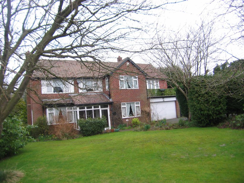 5 Bedrooms Detached House for sale in Middle Drive, Darras Hall, Ponteland, Newcastle upon Tyne NE20
