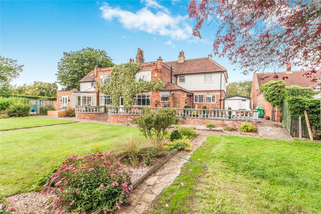 7 Bedrooms Semi Detached House for sale in Elton, Stockton-on-Tees, Cleveland, TS21