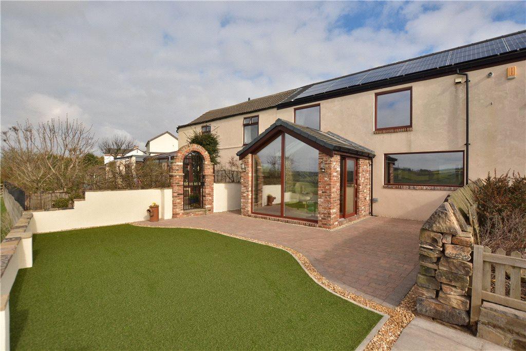 3 Bedrooms Semi Detached House for sale in Allison Terrace, Kirkhamgate, Wakefield, West Yorkshire