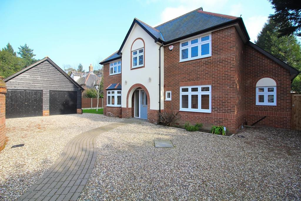 4 Bedrooms Detached House for sale in Moulsham Street, Chelmsford, Essex, CM2