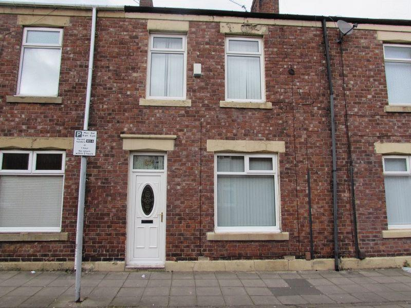 3 Bedrooms Terraced House for sale in Vine Street, Wallsend - Three Bedroom Mid Terraced House