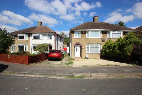 3 bedroom semi-detached house to rent - Colterne Close, Headington OX3