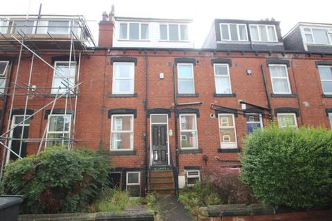 4 bedroom terraced house to rent - BEECHWOOD AVENUE, BURLEY, LEEDS, LS4 2NA