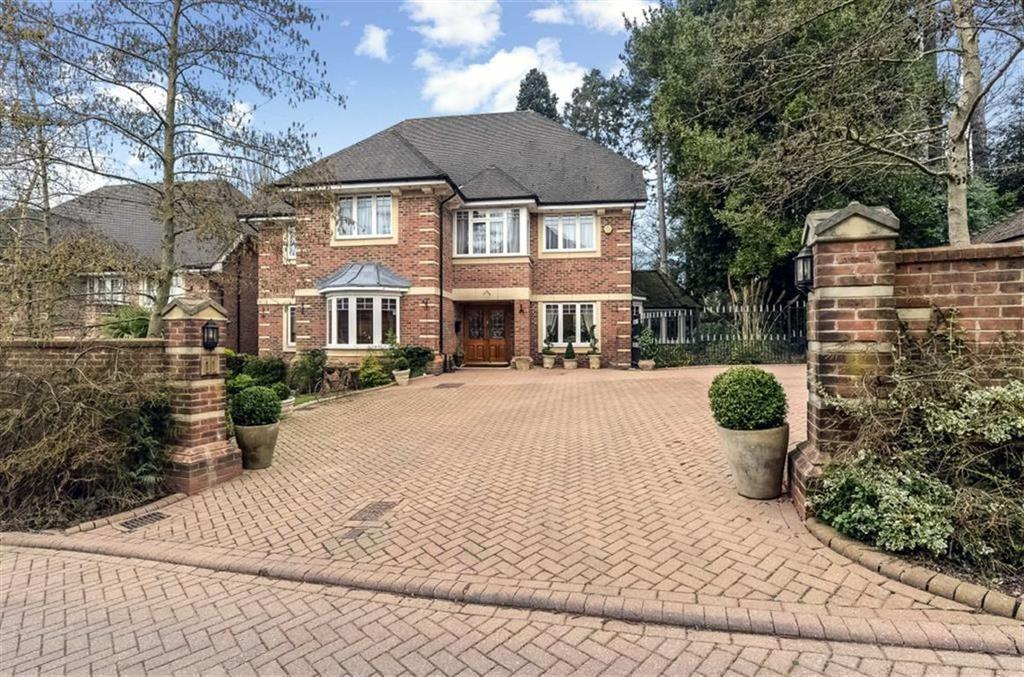 5 Bedrooms Detached House for sale in Saddlers Close, Arkley, Hertfordshire