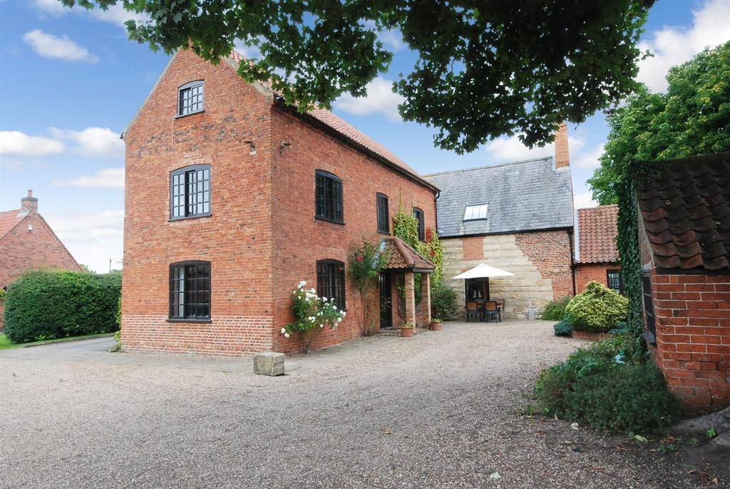 5 Bedrooms Country House Character Property for sale in Eagle Hall, Swinderby, Lincoln