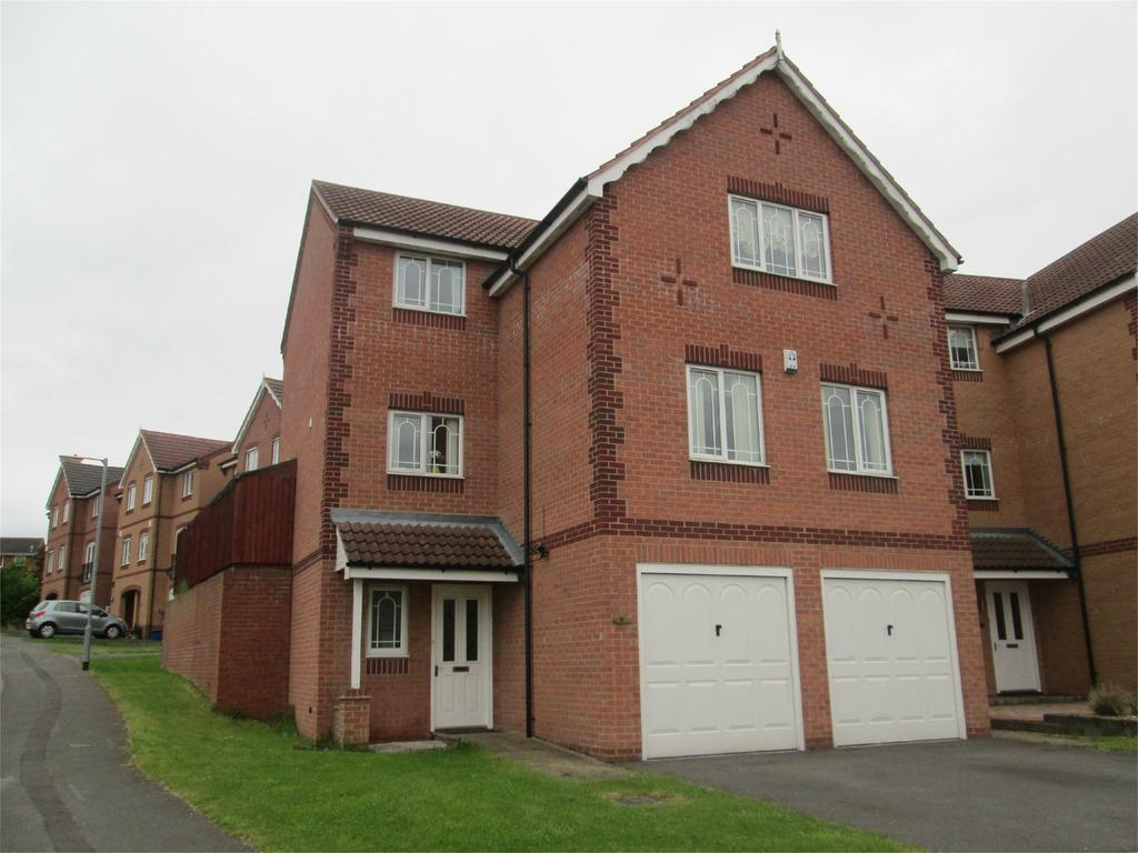 4 Bedrooms Detached House for sale in Hambleton Rise, Forest Town, Nottinghamshire, NG19
