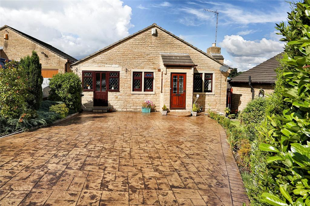 3 Bedrooms Detached Bungalow for sale in Thornhill Park Avenue, Dewsbury, WF12