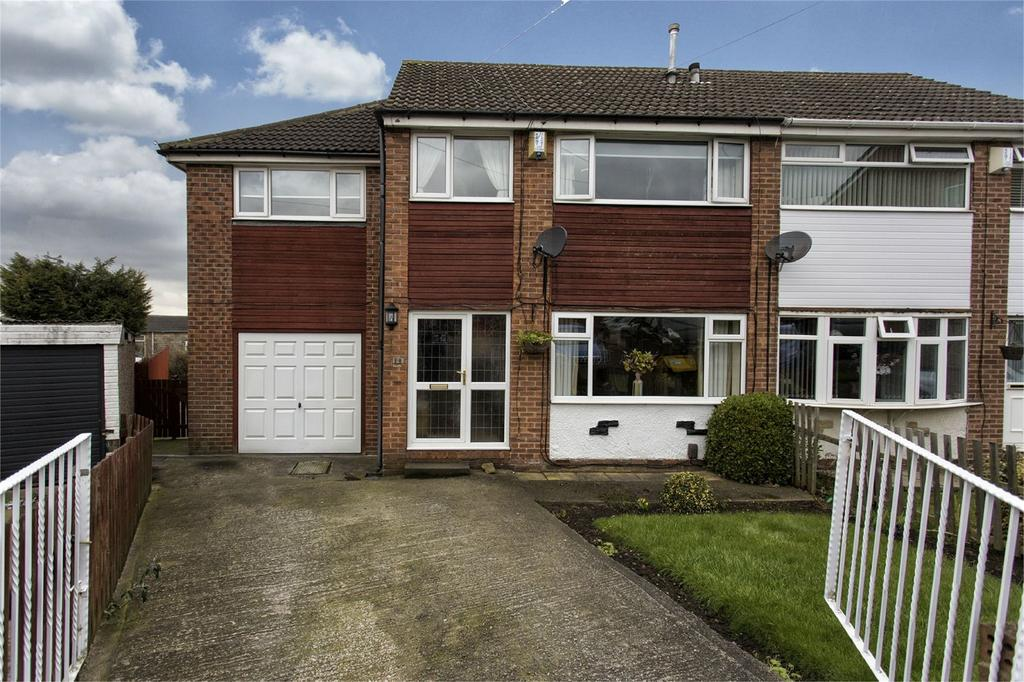 4 Bedrooms Semi Detached House for sale in Jenson Avenue, Dewsbury, West Yorkshire, WF13