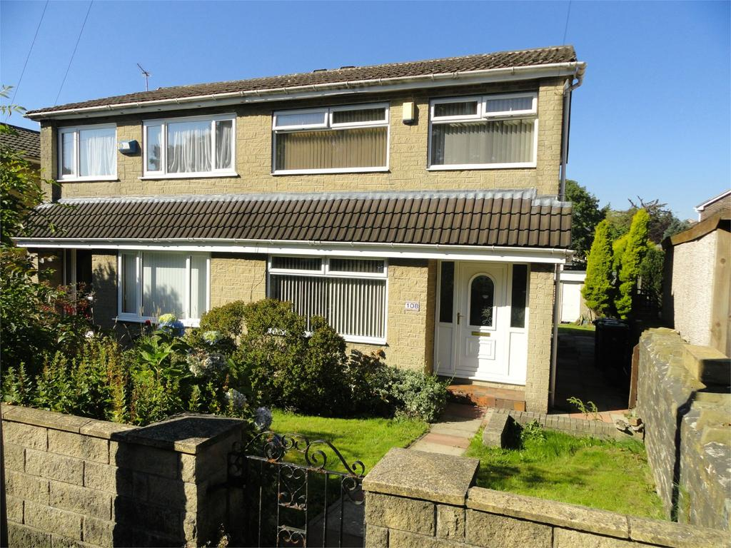 3 Bedrooms Semi Detached House for sale in Moor Hill Road, Salendine Nook, Huddersfield, HD3