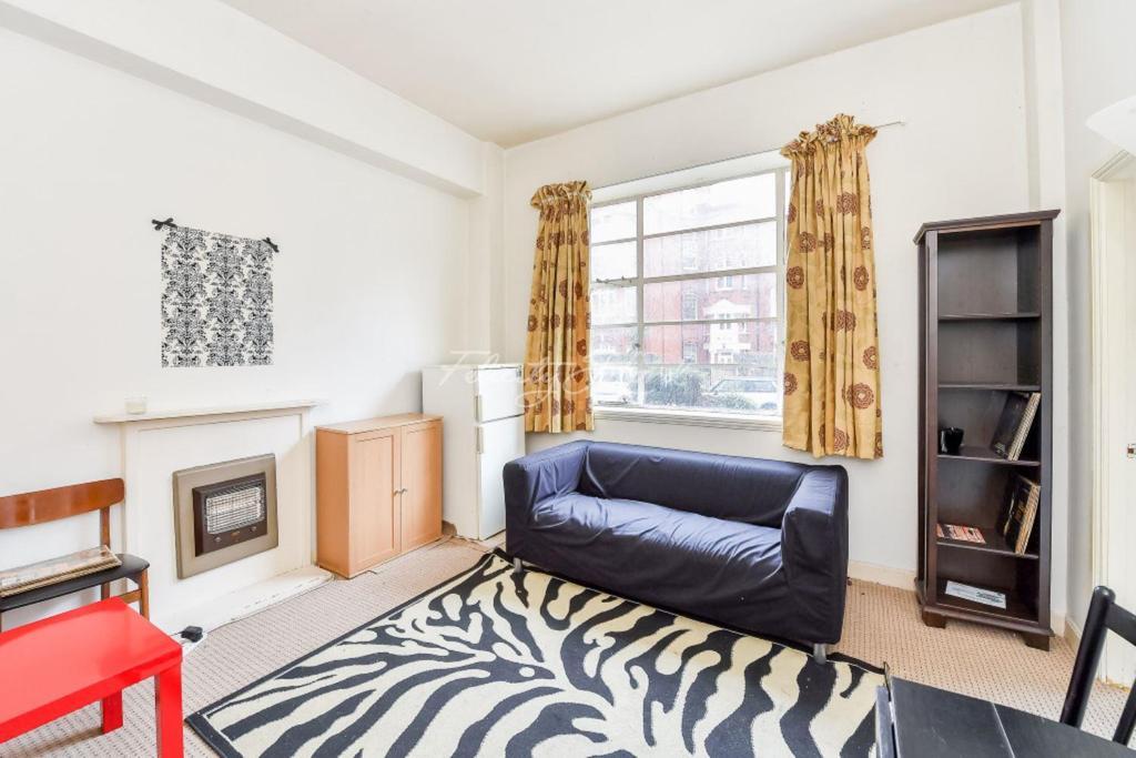 1 Bedroom Flat for sale in Hamlet Gardens, W6