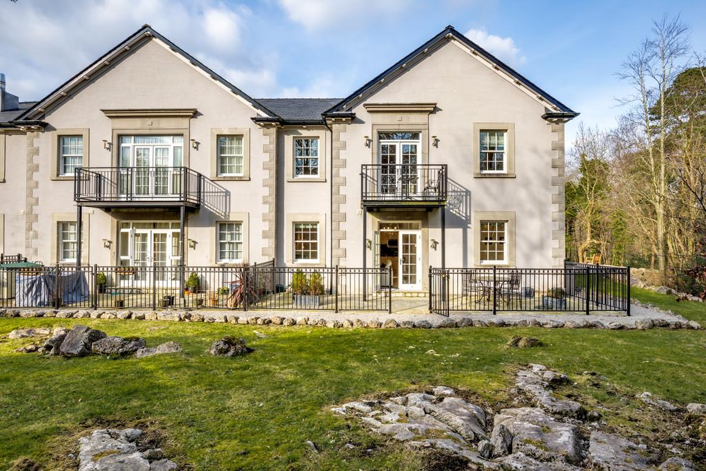 2 Bedrooms Apartment Flat for sale in Apartment 15 Hazelwood Hall, Hollins Lane, Silverdale, Carnforth, Lancashire LA5 0UD