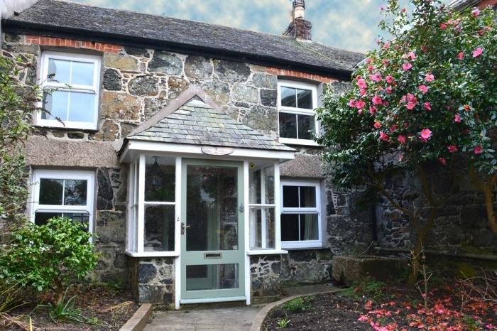 2 Bedrooms Cottage House for sale in DROP ANCHOR COTTAGE, MULLION, TR12