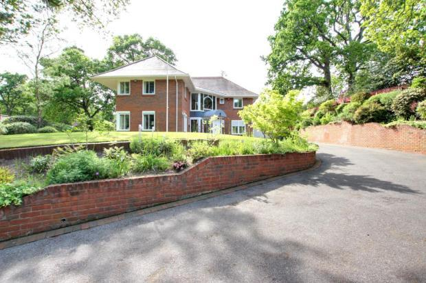 4 Bedrooms Detached House for sale in The Avenue, Branksome Park, Poole BH13