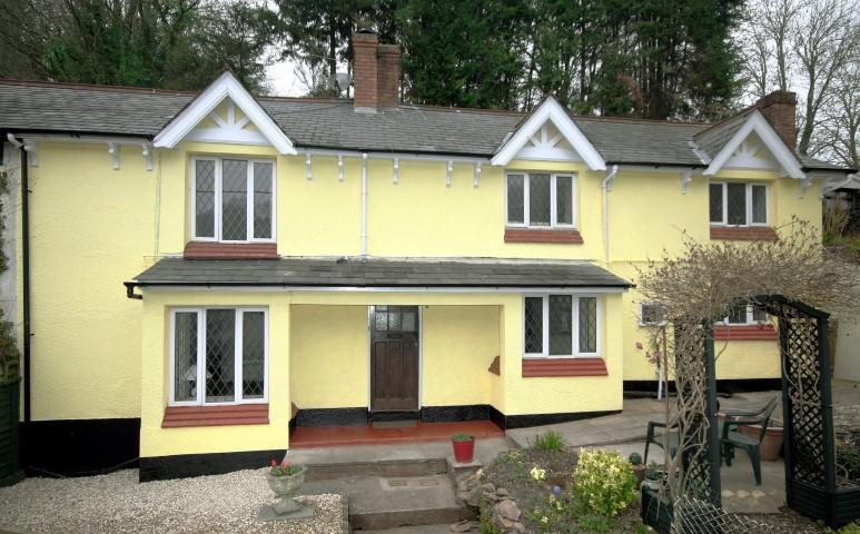 4 Bedrooms Semi Detached House for sale in Roadwater, Watchet TA23