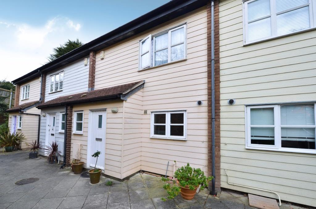 3 Bedrooms Terraced House for sale in Pinewood Close Brighton BN1