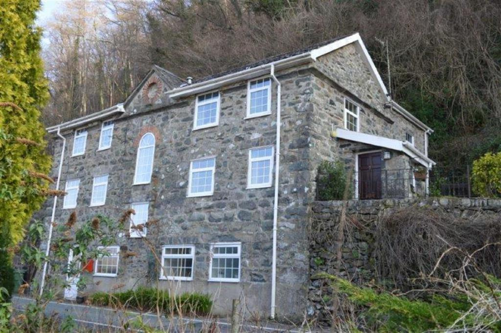 4 Bedrooms Detached House for sale in Pen Yr Odyn, Arthog, Gwynedd, LL39