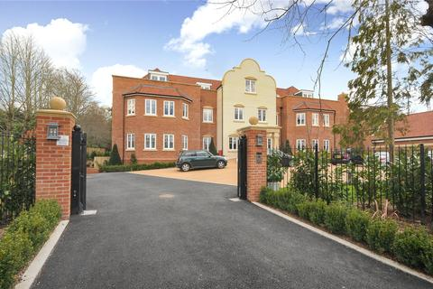 4 bedroom flat to rent - Laggan House, Lady Margaret Road, Ascot, Berkshire, SL5