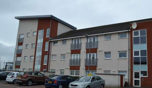 2 Bedrooms Flat for sale in 28 Dockers Gardens, Ardrossan, KA22 8GB