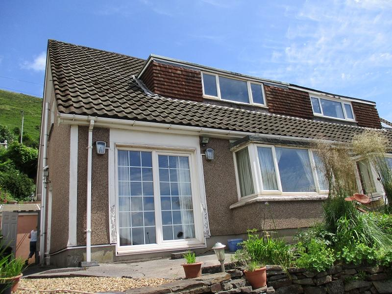 3 Bedrooms Semi Detached House for sale in Lletty Harri Port Talbot, Neath Port Talbot.
