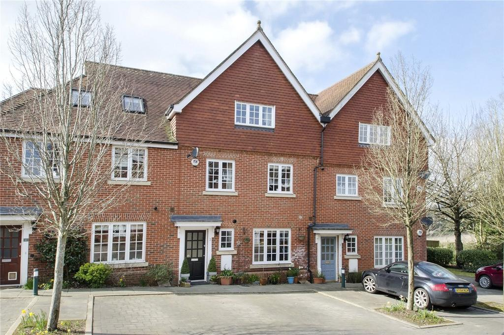 4 Bedrooms Terraced House for sale in Wychwood Place, Winchester, Hampshire, SO22