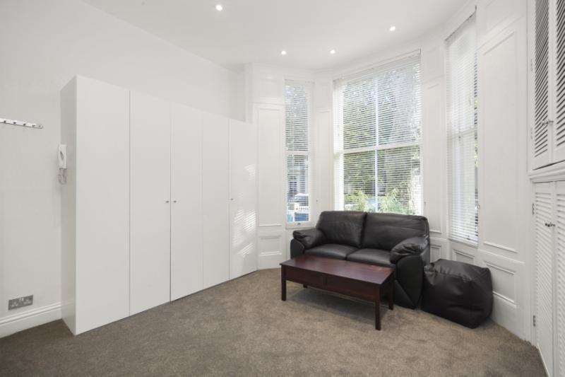 Studio Flat for sale in Aldridge Road Villas, Notting Hill, London, W11
