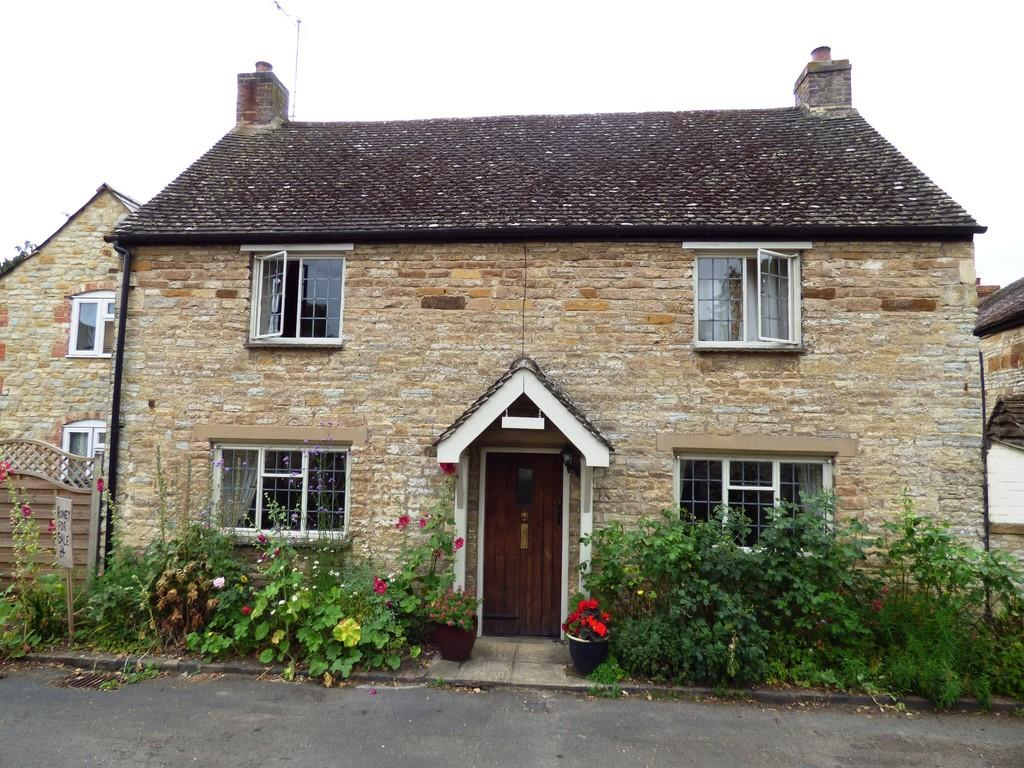 2 Bedrooms Cottage House for sale in Mill Lane, Halford