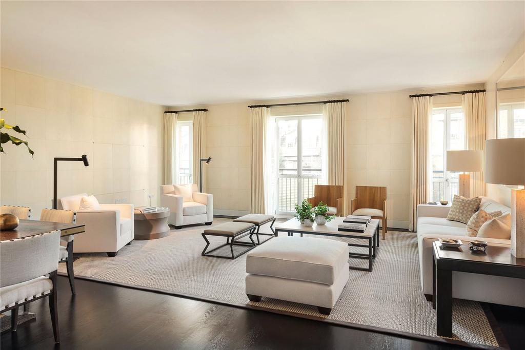 2 Bedrooms Flat for sale in Lancelot Place, Knightsbridge, London
