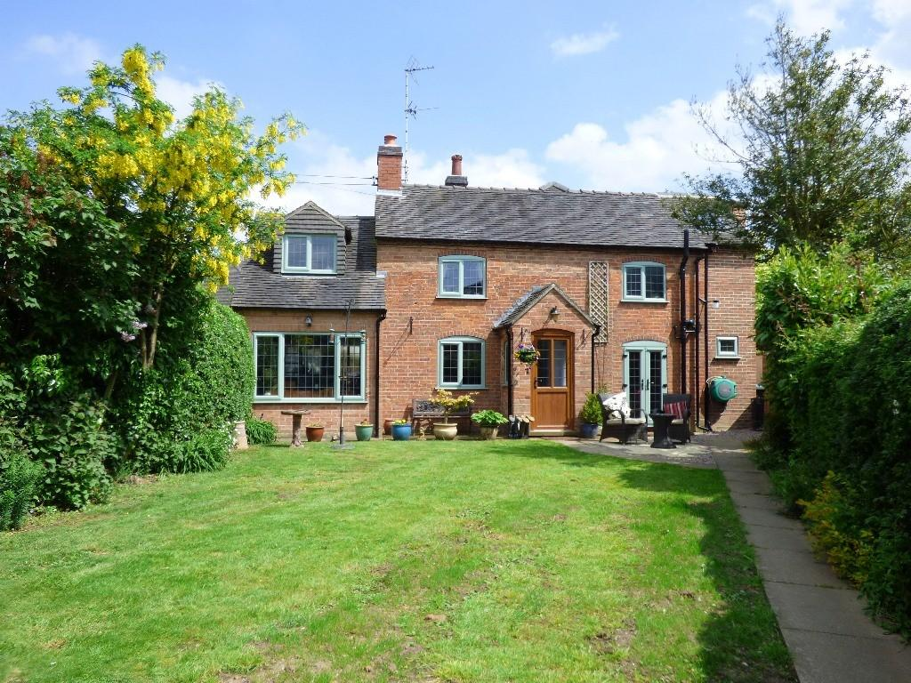 5 Bedrooms Detached House for sale in Main Street, Dalbury Lees