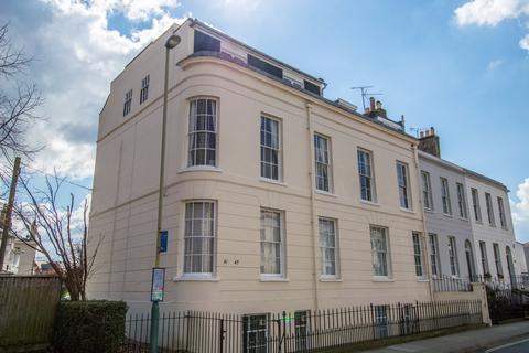 2 bedroom apartment to rent - Prestbury Road, Pittville, Cheltenham GL52 2PT