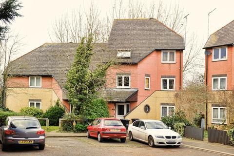 2 bedroom flat to rent - Sentinel Close, Northolt  2 BEDS FLAT