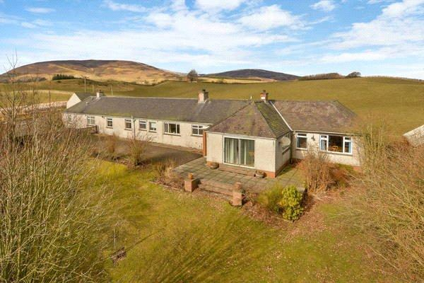 5 Bedrooms Detached Bungalow for sale in East Balloch Farm Cottage, Kirriemuir, Angus, DD8