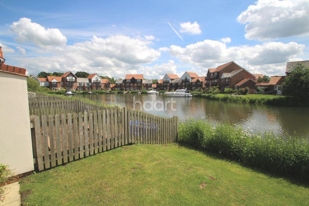2 Bedrooms Terraced House for sale in Ellisons Quay, Burton Waters, Lincoln, LN1
