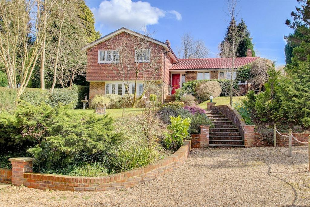 4 Bedrooms Detached House for sale in Kings Hill, BEECH, Alton, Hampshire