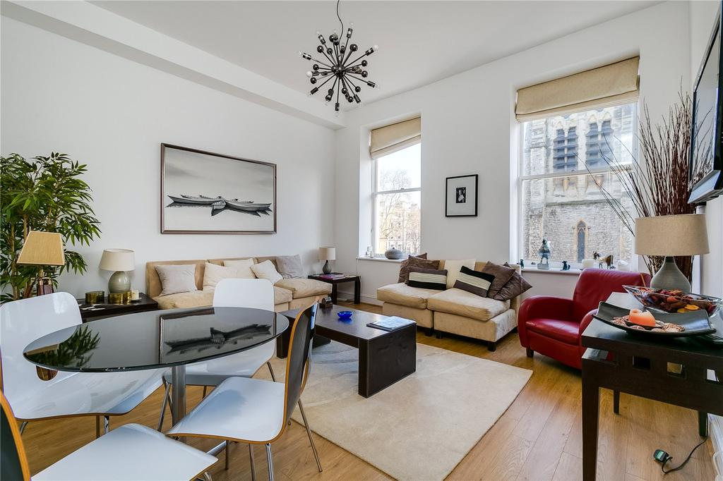 2 Bedrooms Flat for sale in Collingham Road, Earls Court, London