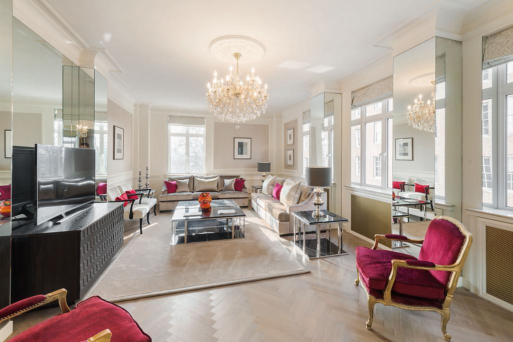 5 Bedrooms Flat for sale in Park Street, London. W1K