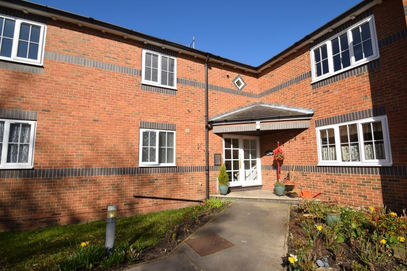 2 Bedrooms Flat for rent in Flat 9, Kingfisher Rise, Sutton , Hull