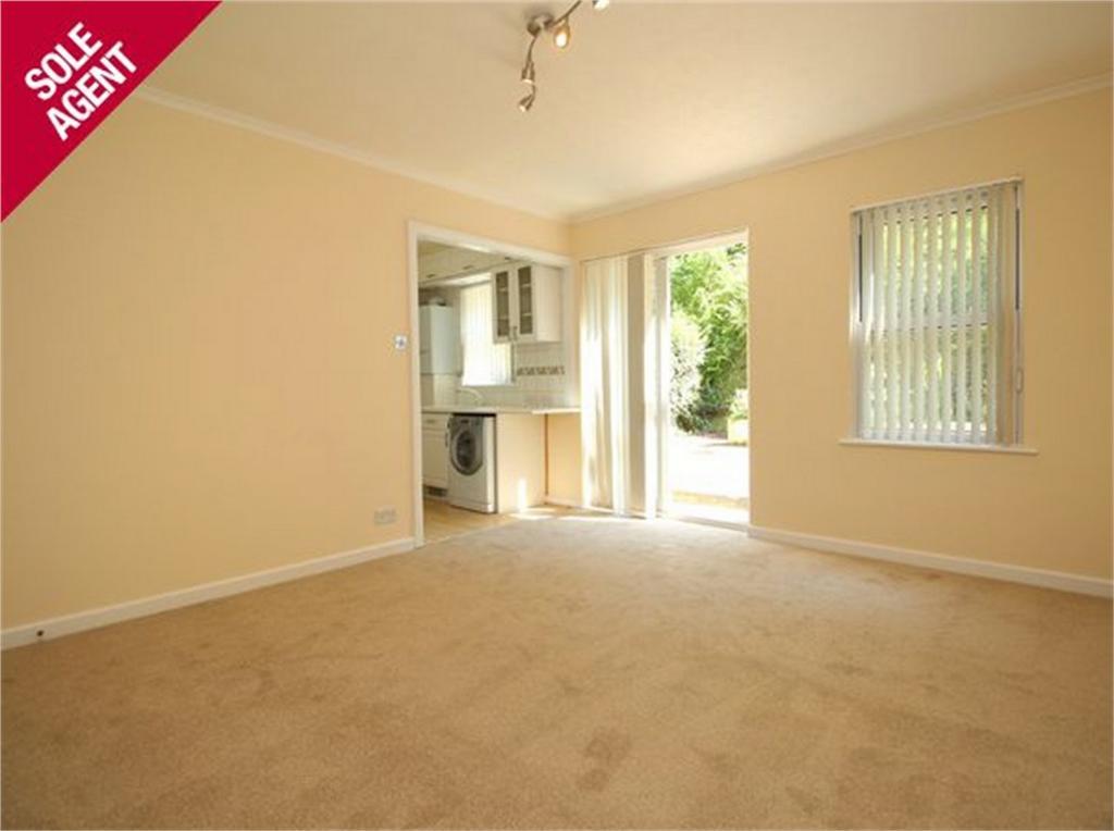 2 Bedrooms Flat for sale in 2 Millmount, La Charroterie, St Peter Port