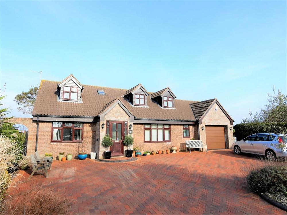 5 Bedrooms Detached Bungalow for sale in Uphill Close, Sully