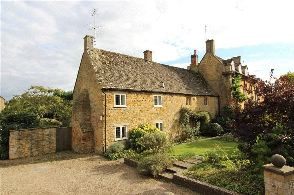 4 Bedrooms Cottage House for sale in Church Street, Moreton-In-Marsh, Gloucestershire, GL56
